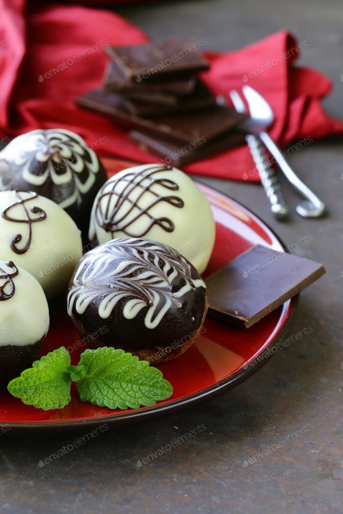 Dessert Biscuit Balls Cakes