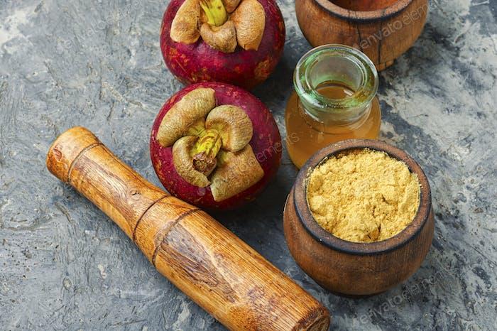 Medicinal tincture of mangosteen.