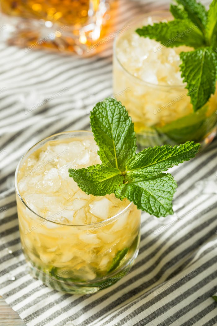 Homemade Derby Mint Julep