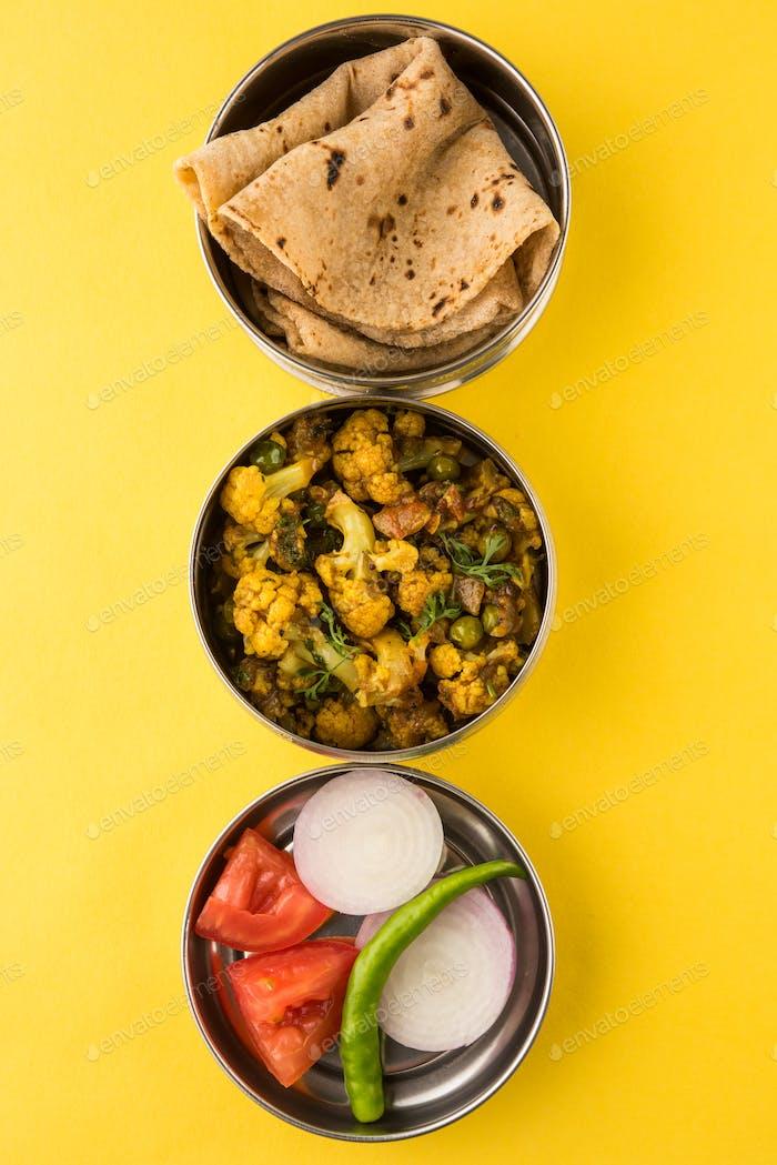Indische Lunchbox mit vegetarischer Küche