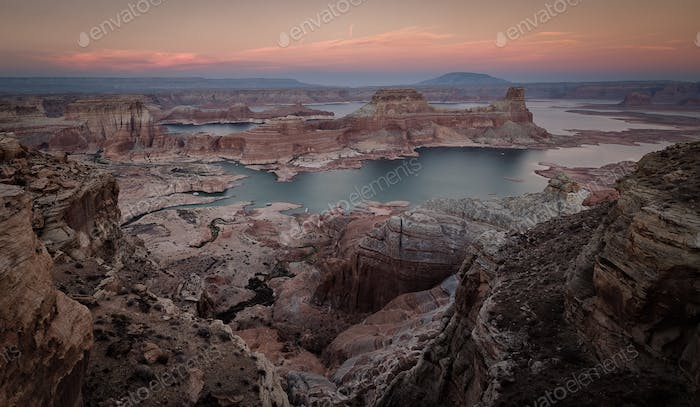 Alstrom Point looking over Lake Powell