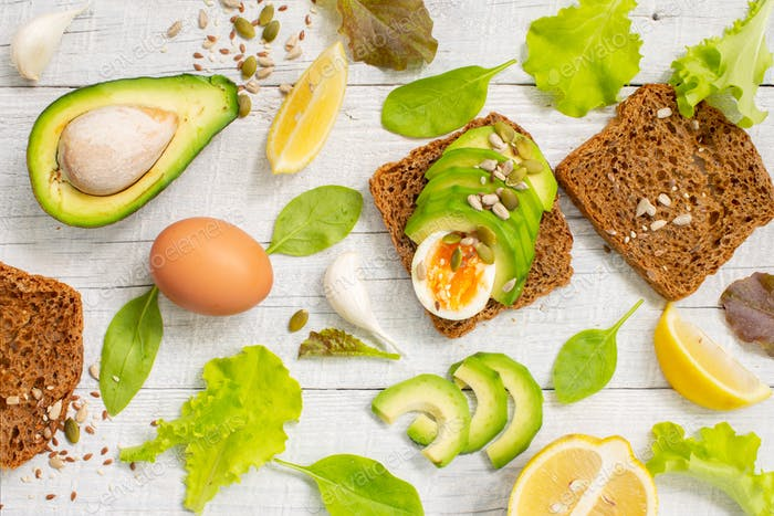 Healthy Toasts with Avocado and Eggs