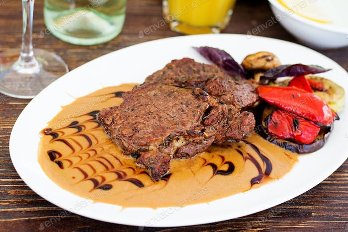 "Juicy beef steak with French cream sauce ""Duxelles"""