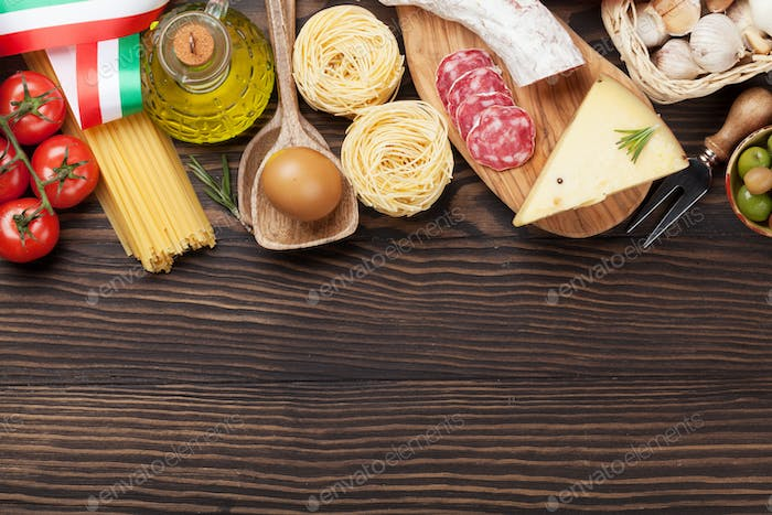 Italian cuisine food ingredients