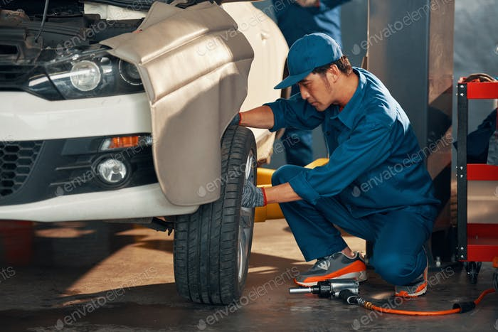 Wheel replacement in service