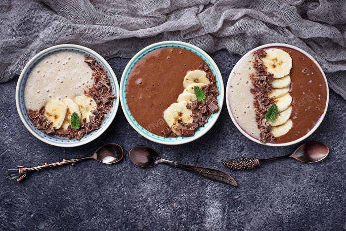 Banana and chocolate smoothie bowl