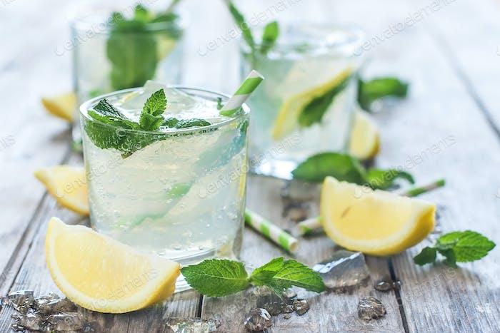 Gekühlte Minz-Lemonade