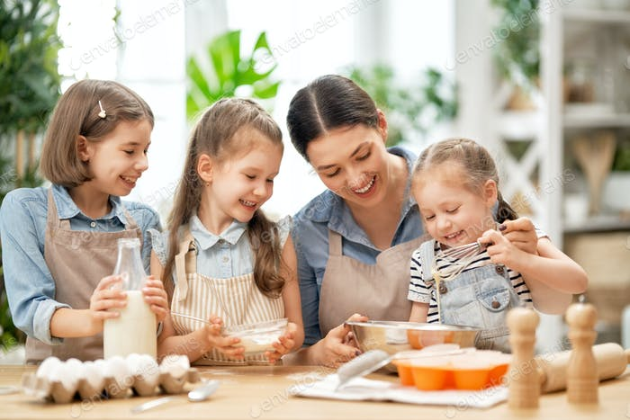family are preparing bakery together