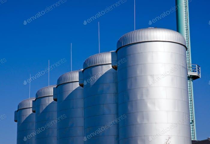 Промышленные резервуары
