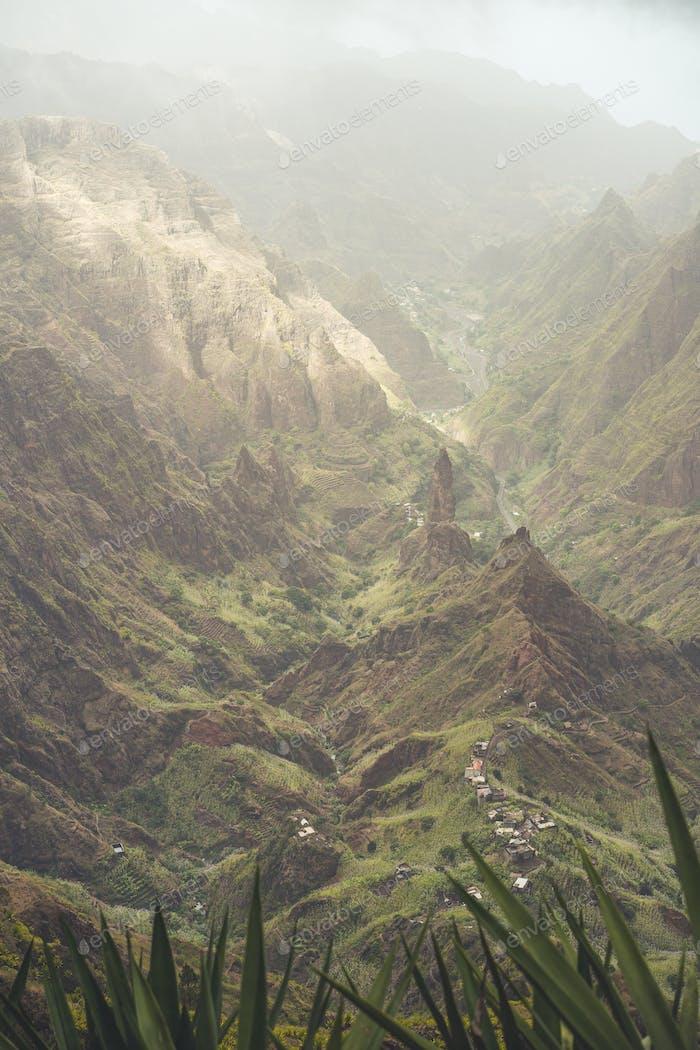 Santo Antao Cabo Verde. Ambiente de paisaje malhumorado en el fértil valle del Xo-xo. Paisaje escénico de