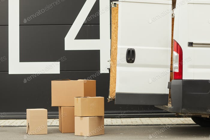 Cargo delivery by van