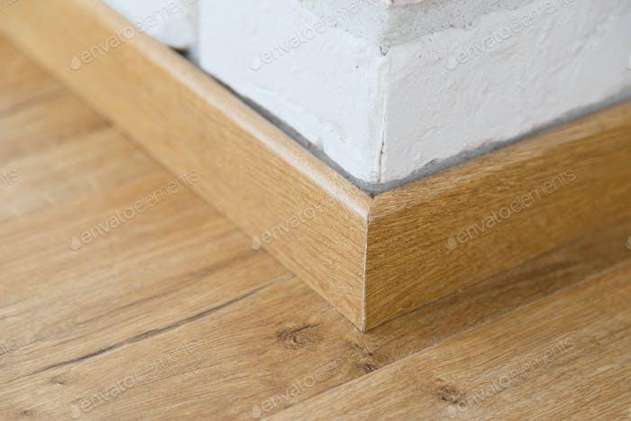 Bodensockel aus Holz