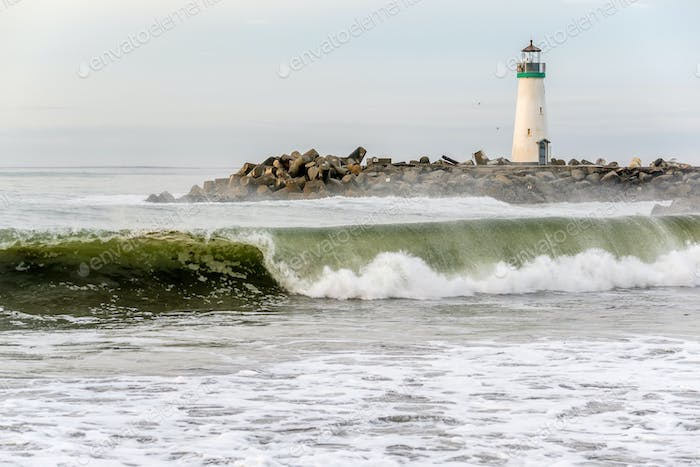 Santa Cruz Breakwater Light (Walton Lighthouse)