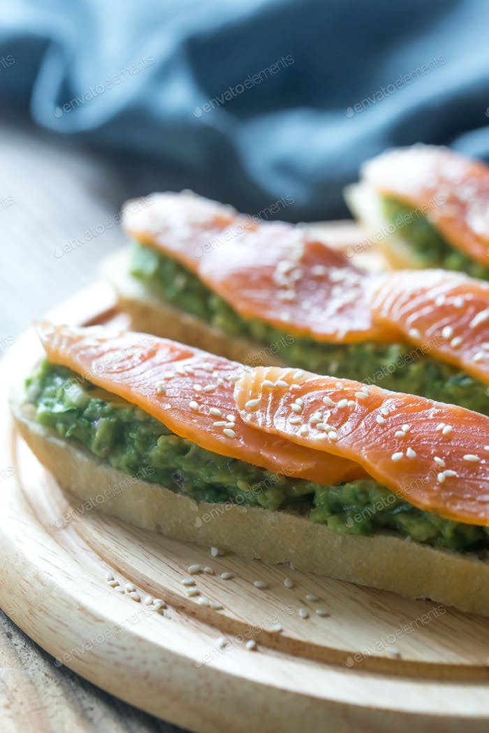 Toasts with guacamole and smoked salmon