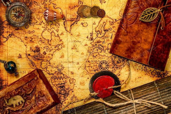 Vintage Reisehintergrund mit alter Karte