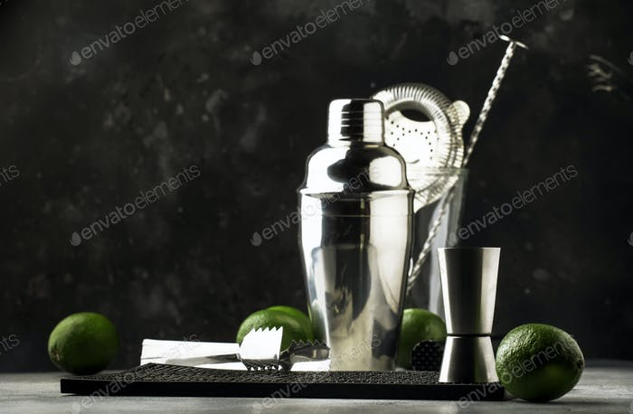 Bar tools for making cocktail