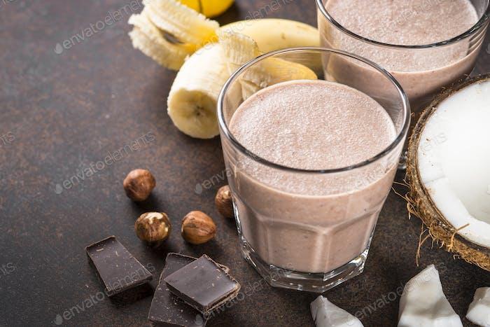 Schokolade Banane Kokosnuss Haselnuss Milchshake oder Smoothie