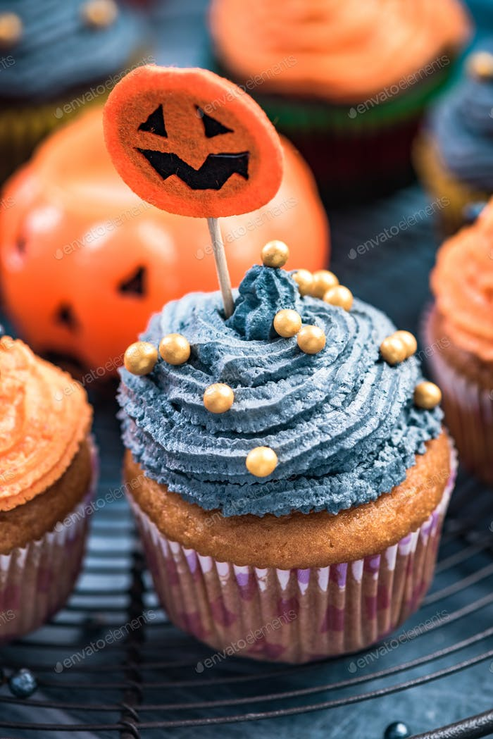 Homemade cupcakes for Halloween children party