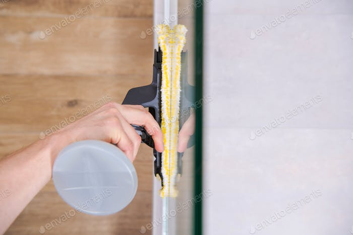 Cleaning Shower Glass Cabin