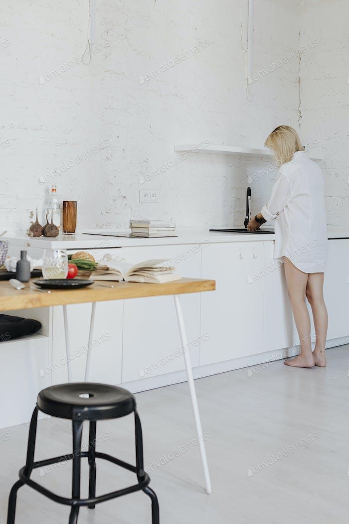 Aufräumen des Geschirrs