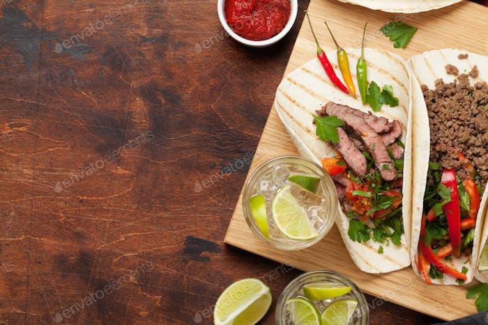 Set of mexican tacos