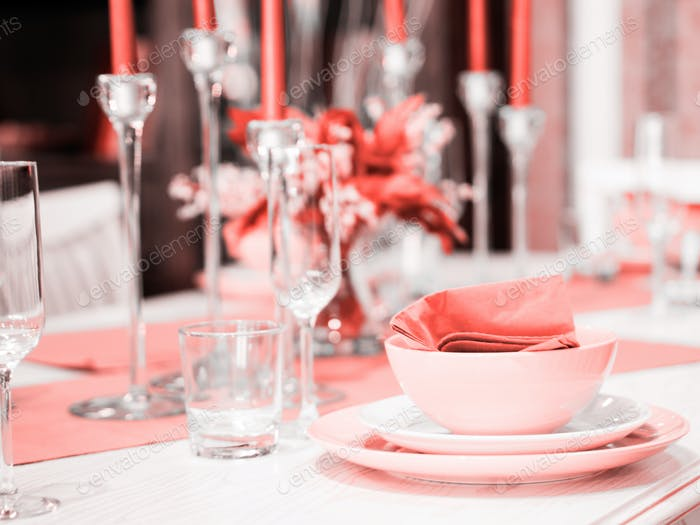 Beautiful table setting in Living Coral color