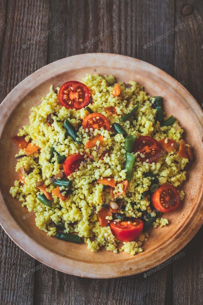 Hirse mit Gemüse braten