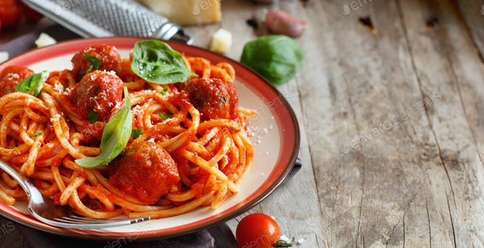 Pasta with tomato sauce and meatballs