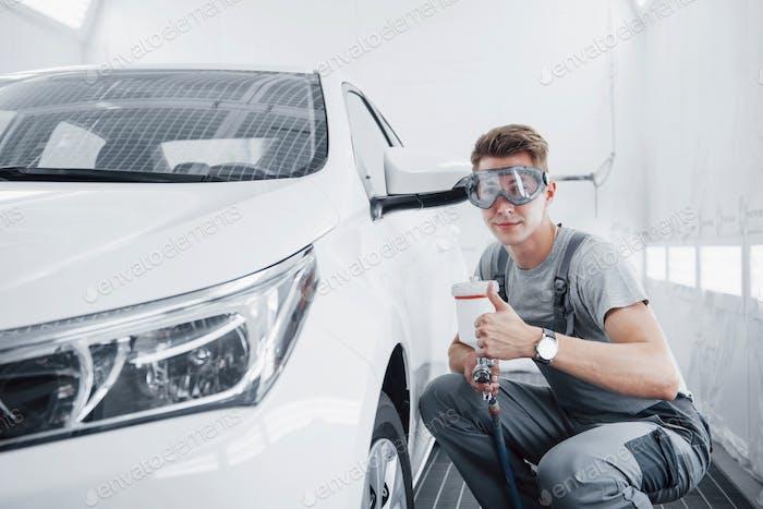Lackspray Master für Autolackierung in der Automobilindustrie.
