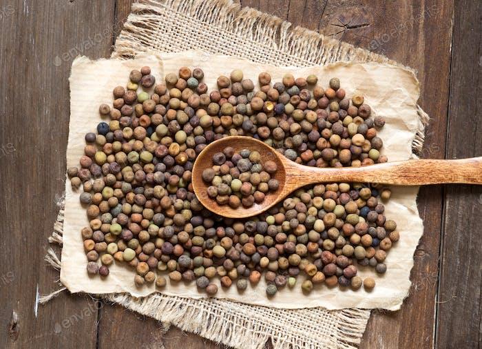Raw organic roveja beans
