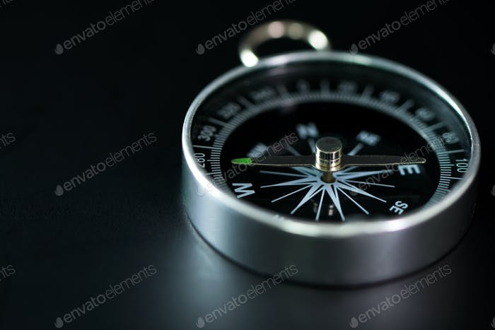 Classic magnetic compass