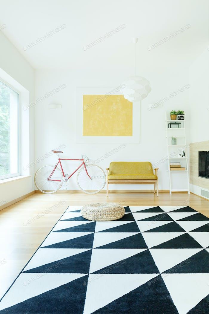 Spacious contrast color interior