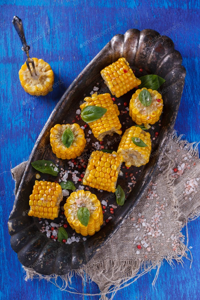 Boiled corn pieces with Basil and salt