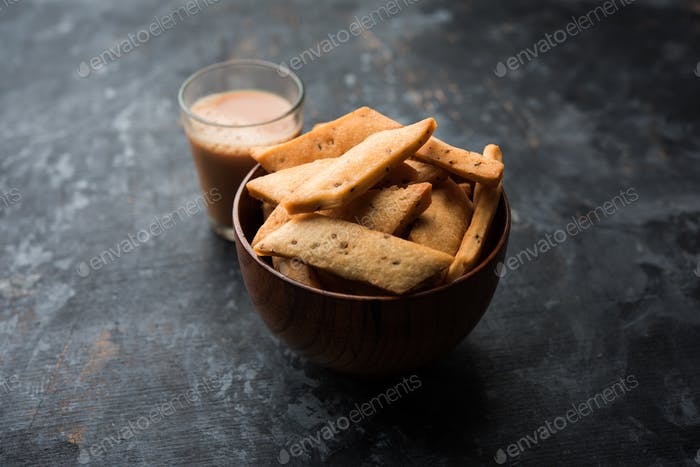 Namakpare or Salty Shakarpara