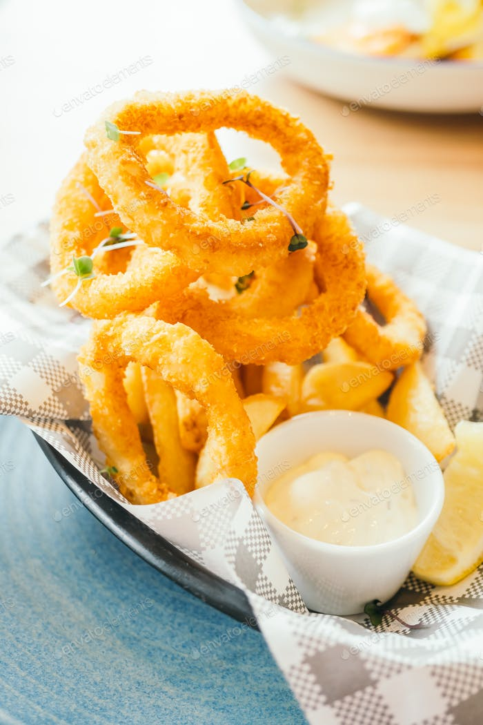 Fried calamari ring