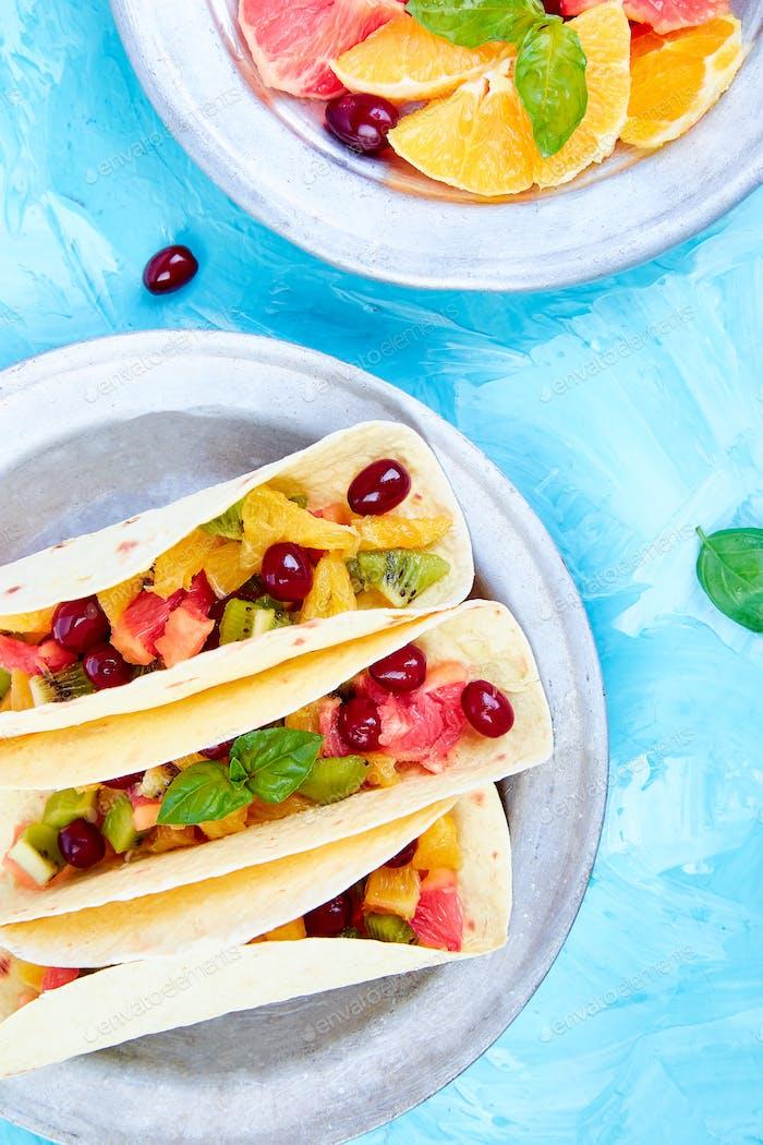 Frucht-Tacos. Sommer-Snacks.