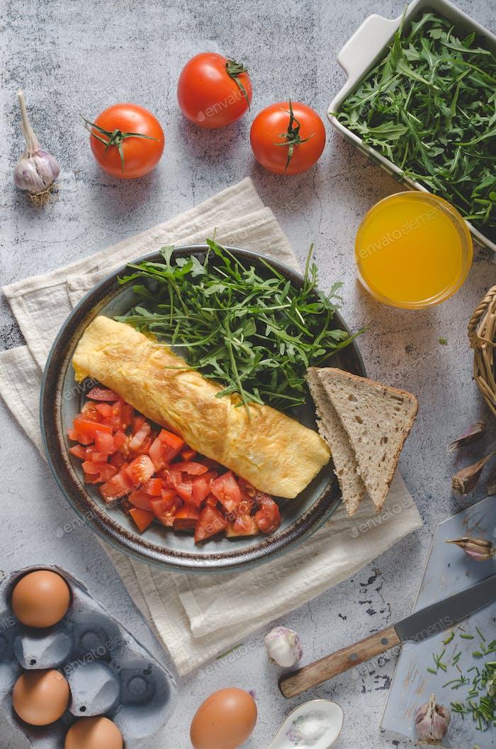 Egg omelette with salad