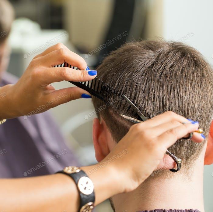 Schönheit, Frisur. Friseursalon