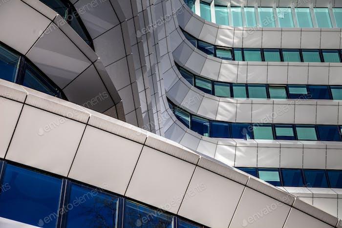 Details in der Fassade der modernen Architektur