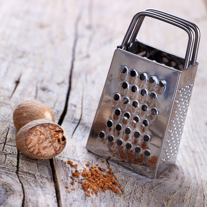 Ground nutmeg spice
