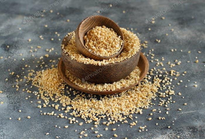 Dry bulgur wheat grains