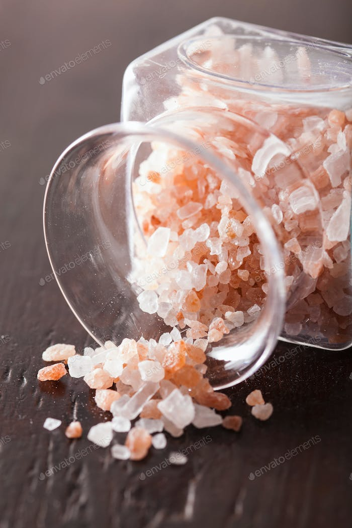 pink himalayan salt in jar