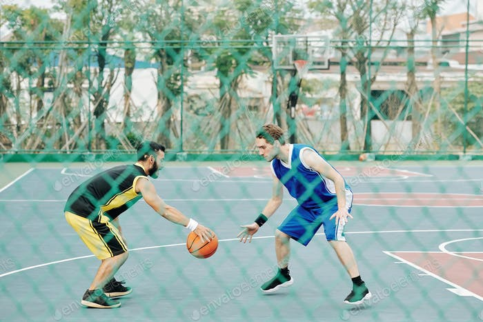 Sportsman playing defense