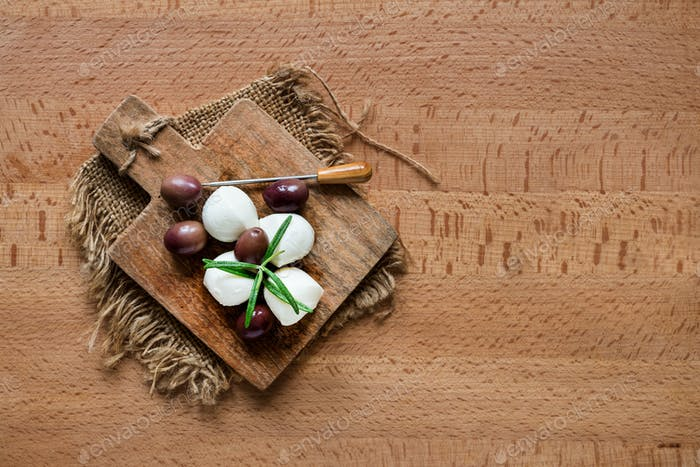 appetizer snacks with mozzarella