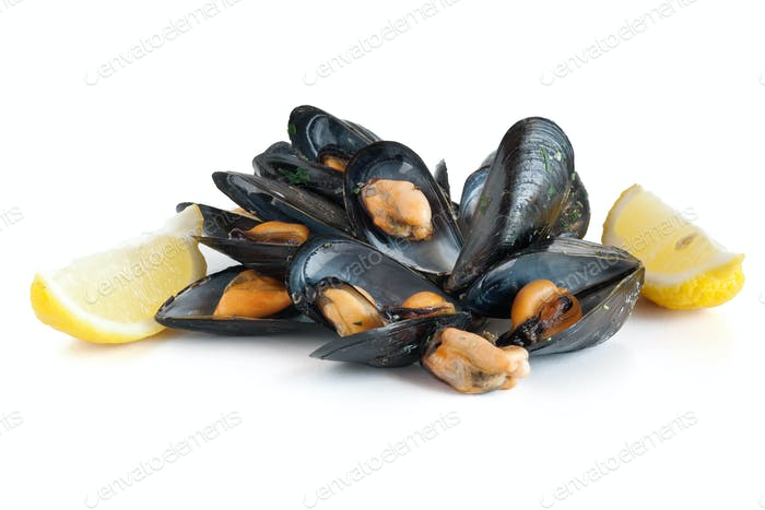 mussels with lemon isolated