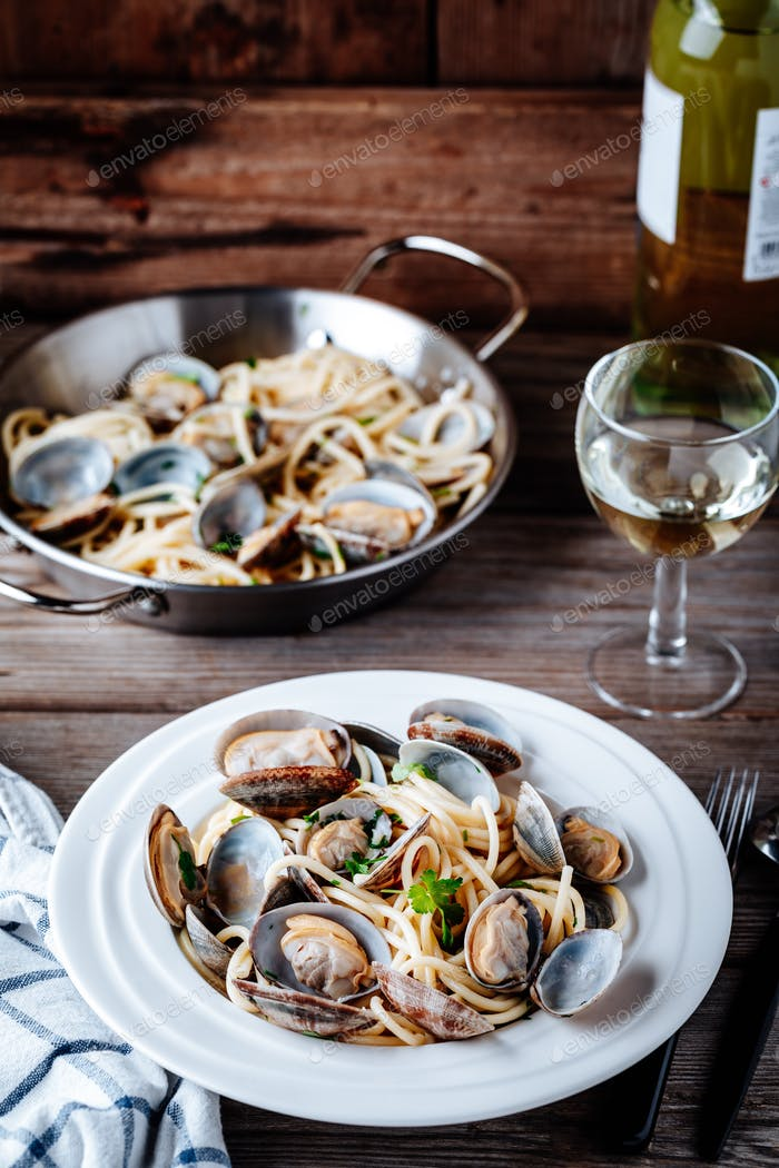 Traditional italian seafood pasta with clams Spaghetti alle Vongole
