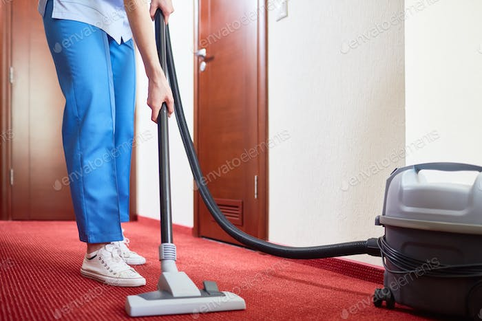Cleaning hotel-room