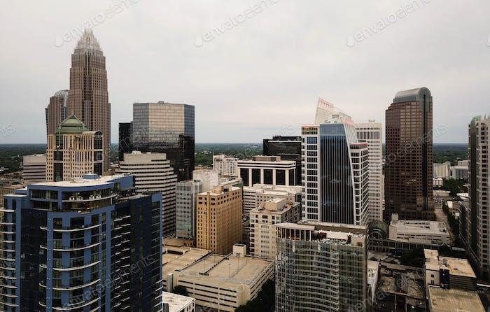Luftansicht Dächer und Gebäude auf Charlotte North Carolina