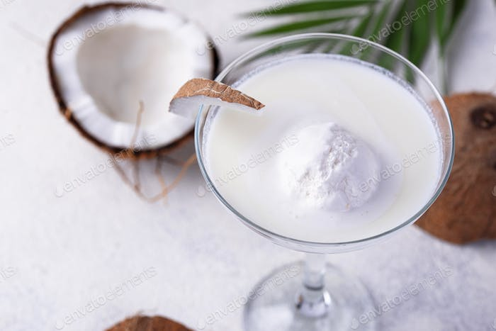 Coconut Margarita Cocktail mit Eis