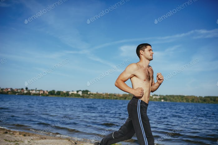 Strong attractive runner